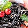 Spaghetti al nero di seppia Pâtes noires à l'encre de seiche